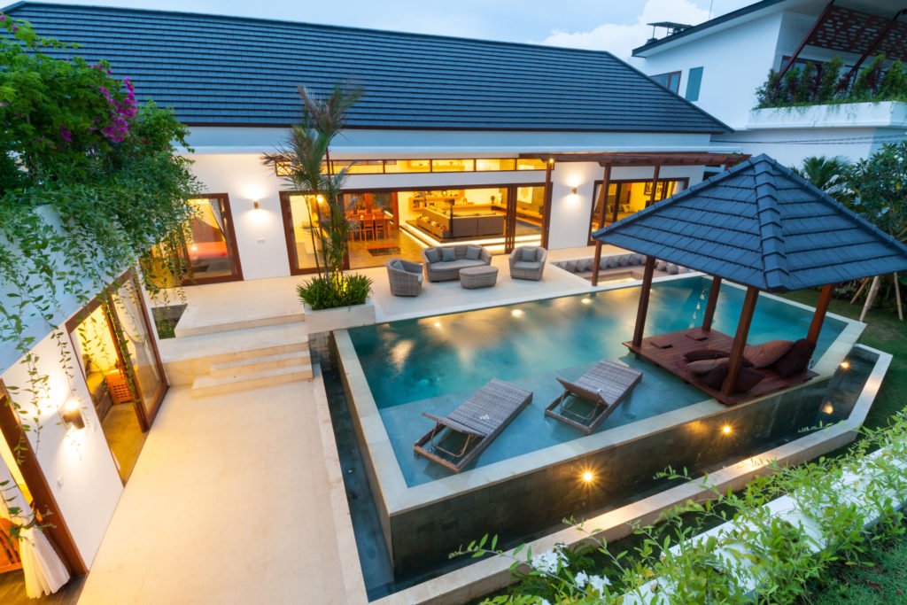 Five 2017 Pool Trends For A Luxurious Backyard Retreat Lyon